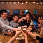 Uống Bia Nhập Khẩu Là Để Giải Khát ?