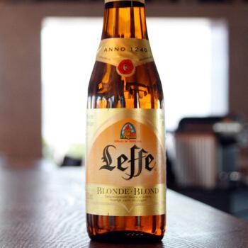 Bia Leffe Nâu Và Bia Leffe Vàng Khác Nhau Như Thế Nào